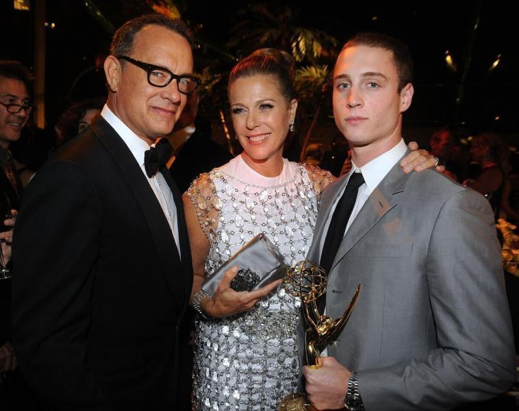 Семья на первом месте: самые порядочные семьянины среди известных актеров