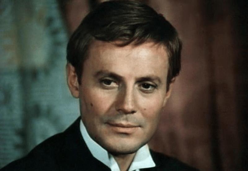 """Какие советские актеры могли получить роль Штирлица в телефильме """"Семнадцать мгновений весны"""""""