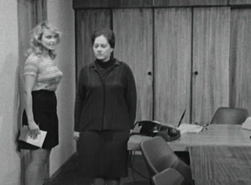 """Находка: Легендарный """"Служебный роман"""" в исполнении других актеров"""