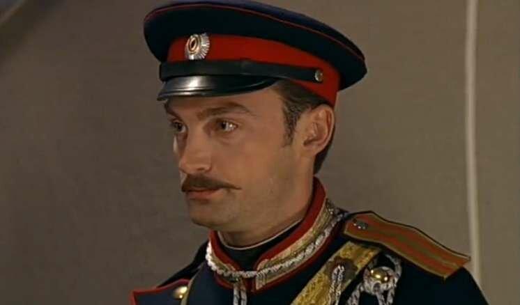 «Он работал на заводе, освоил профессию механика, а потом стал актером»: Александр Арсентьев, роли и его красавица-жена