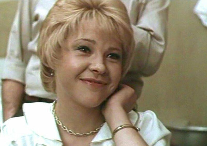 В каких фильмах могла сняться Александра Яковлева (и какие роли она сыграла за других)