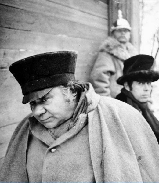 Закулисье советского кино: уникальные снимки советских актеров со съемок фильмов.