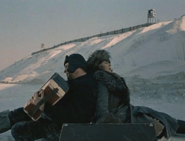 Чуть не дошло до катастрофы: каверзы, случившиеся на съёмках советских культовых фильмов