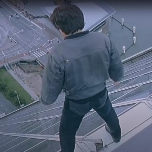 """Чем для Джеки Чана закончилась поездка на Носороге на съёмках фильма """"Кто я""""."""