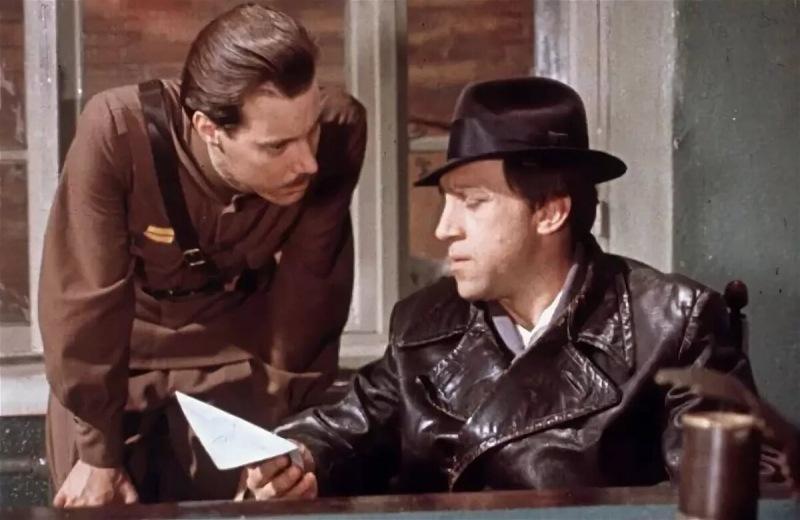 Сумеете ли вы продолжить известную цитату или крылатую фразу из фильма? Тест из 11 вопросов для знатоков советского кино