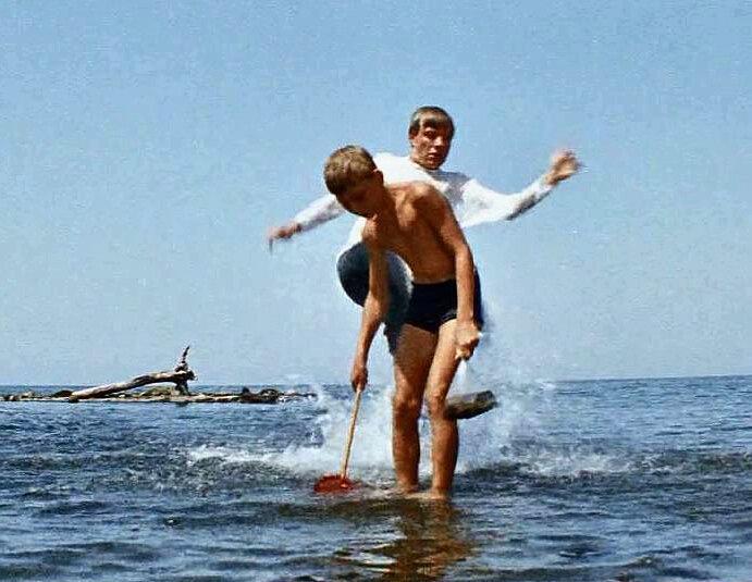 Дети Семен Семеныча Горбункова и сын Юрия Никулина. Как сложились судьбы детей-актеров из фильма «Бриллиантовая рука»