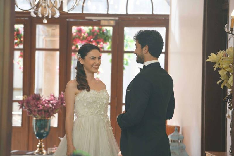 10 хороших турецких сериалов, которые еще не завершены!