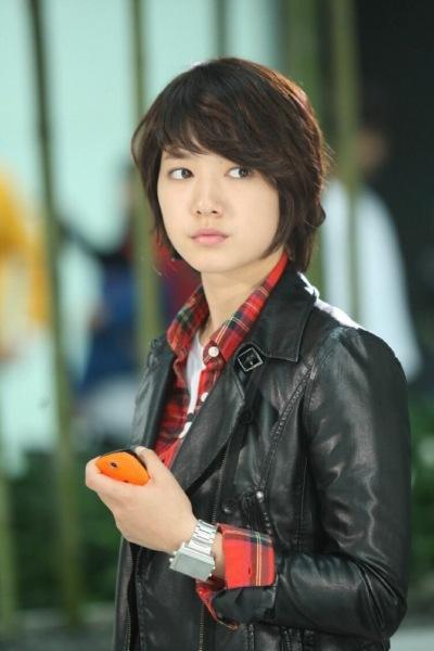 Лучшие дорамы с Пак Шин Хе , одной из самых красивых актрис Южной Кореи